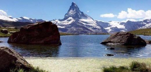 Die schönsten Bergseen der Schweiz laut den Lesern von 20 Minuten. Platz zehn: Stellisee, Zermatt VS. Kommentar von Anistus: «War heute dort und war sehr fasziniert.»