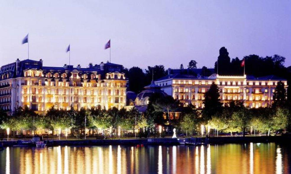 Platz 1 (Vorjahr: 1): Beau-Rivage Palace, Lausanne-Ouchy Wovon viele Hoteliers träumen, das ist dem wiederholten Primus geglückt: Zeitlosen Glamour zurück in die oftmals deprimierend gleichförmige Hotelwelt zu holen.