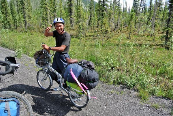 «Moto Oshima, der Japaner auf seinem Faltrad, ist jetzt dank der Bärenglocke etwas sicherer unterwegs. Der Mann hat eine Ausstrahlung, die einen inspiriert und ansteckt.»