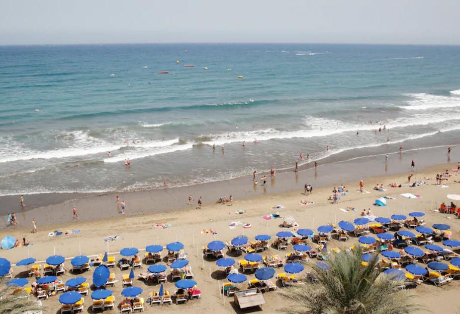 Mit Gran Canaria auf Platz vier gehört noch eine dritte Kanareninsel zu den beliebtesten Ferienzielen im Herbst.