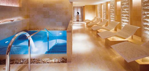 Platz neun: Mandarin Oriental, Hongkong. Preis: ab 400 Franken pro Nacht. Für weniger Geld kann man auch eine Spa-Behandlung buchen und im grosszügigen Wellnessbereich entspannen.