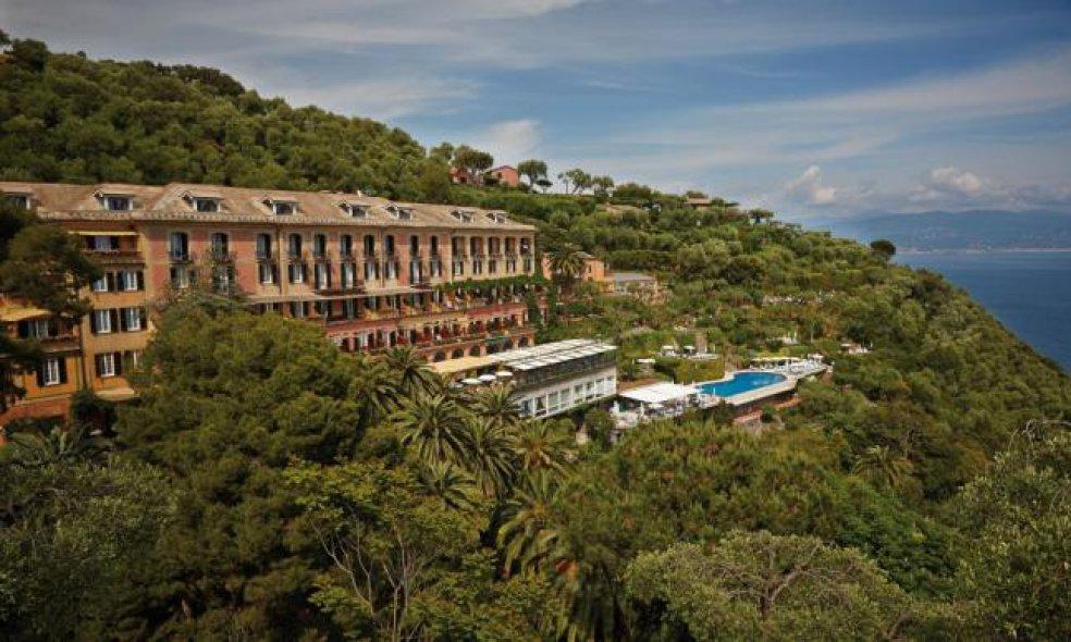 Platz 8 (Vorjahr: 3): Belmond Hotel Splendido, Portofino Es gibt Hotels, durch die weht der Geist ihrer Region wie Atmosphäre durch einen guten Roman. Das Splendido ist so ein Haus: Hier umfängt einen das Gefühl von Dolce Vita der Zwanzigerjahre.