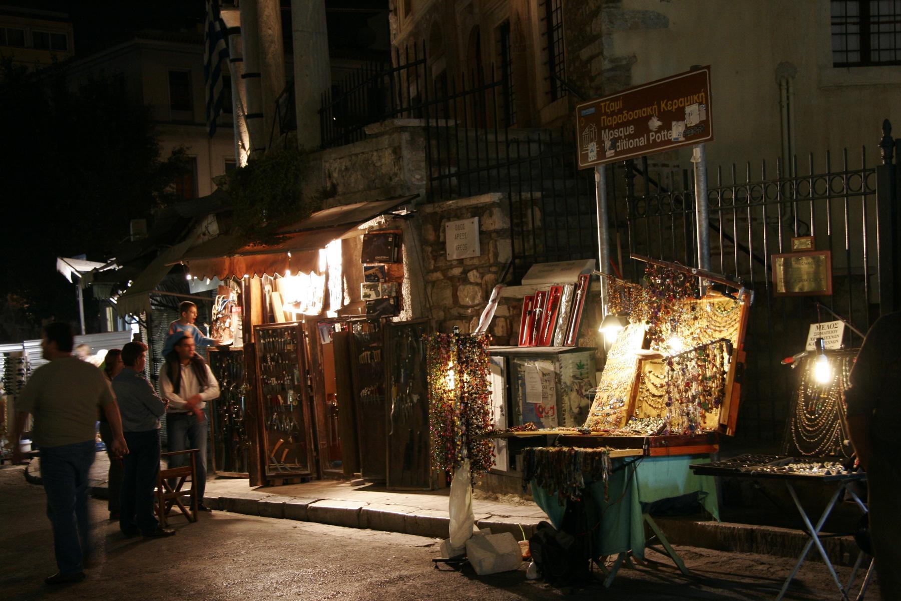 abends in der Nähe des Monastiraki-Platzes