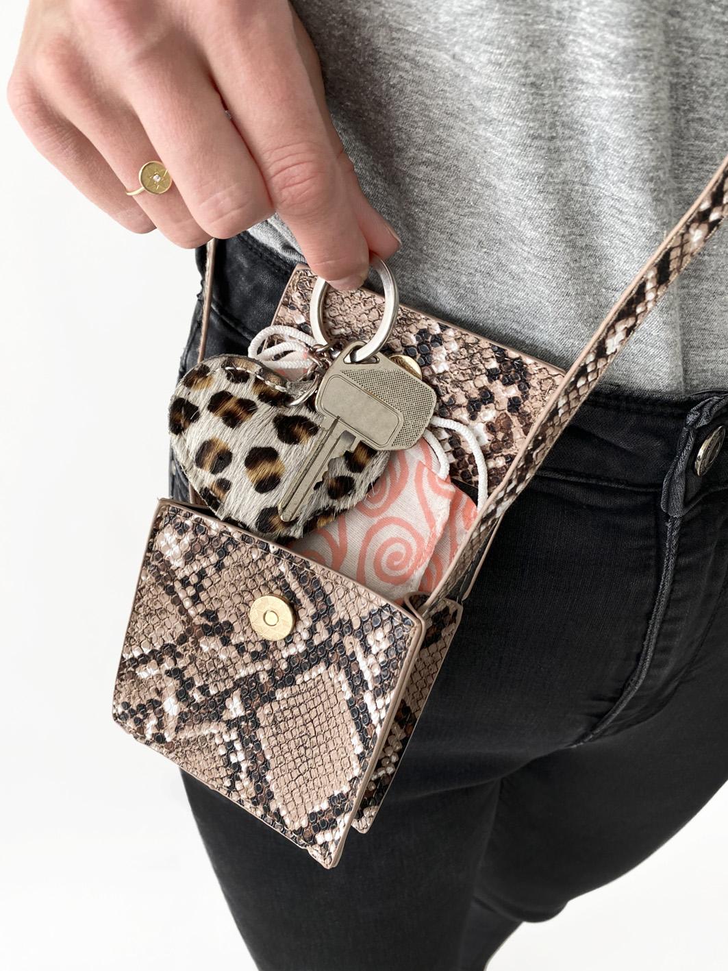 tiny bag /snake print/ * €12,95 *