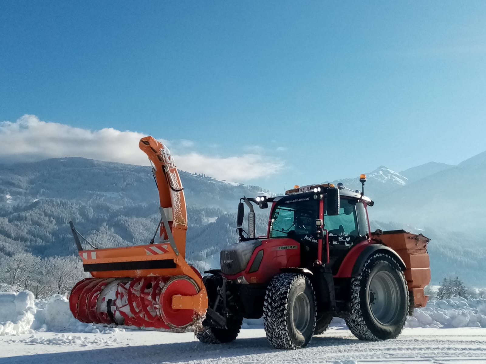 Winterdienst - Schneefräse Arbeiten