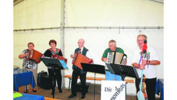 Die Harmonikas aus Jaderberg spielen auf
