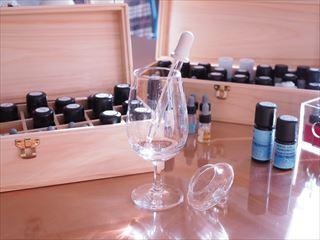 アロマ調香セラピーとヒプノセラピー(催眠療法)の融合