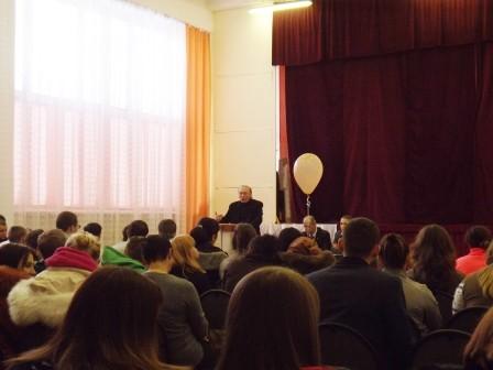 Ведущий антинаркотической акции Переславль-Залесский против наркотиков 2014 председатель НСНБР А.ГОгнивцев.