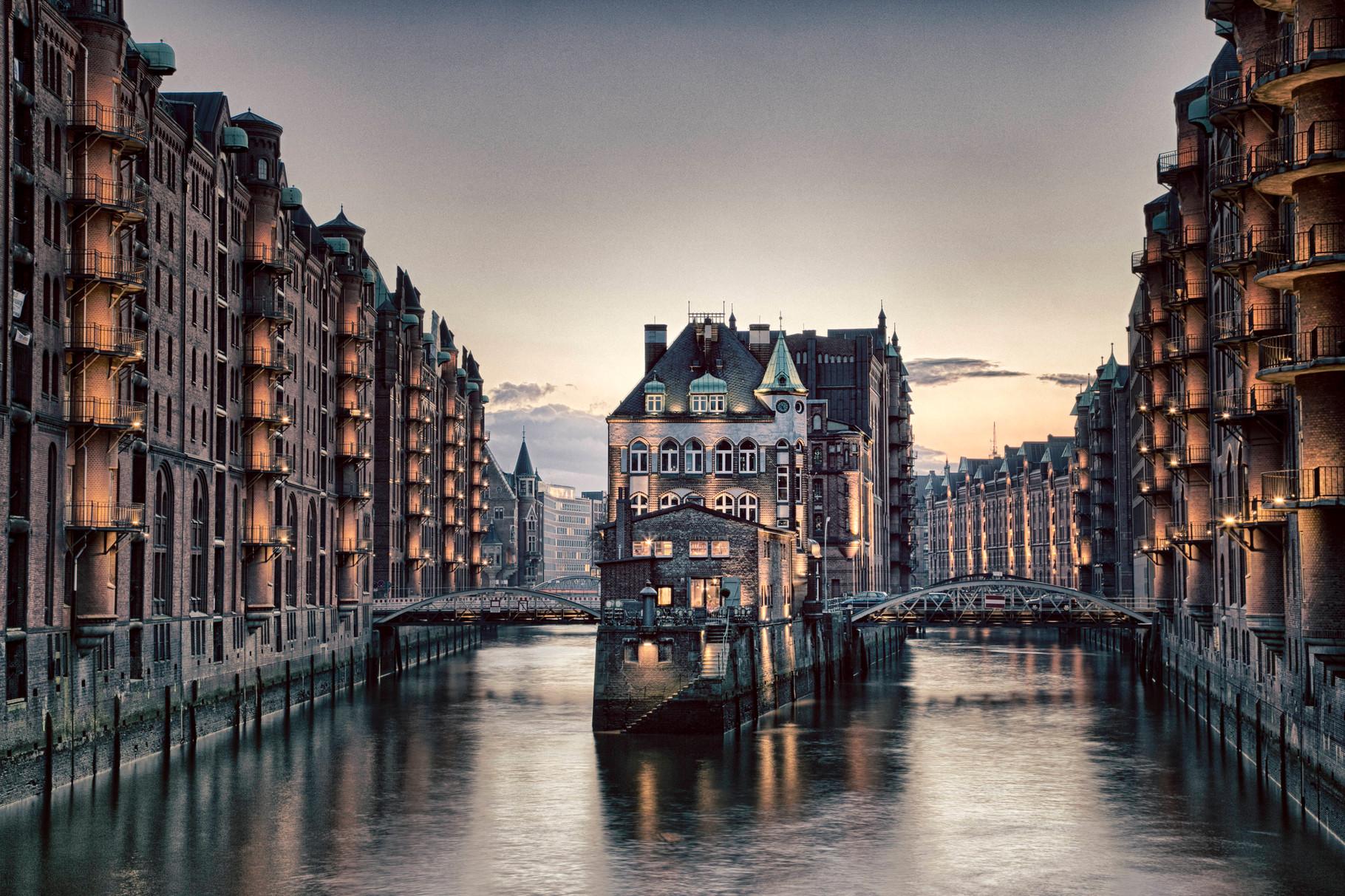 Wasserschloss Hamburger Freihafen