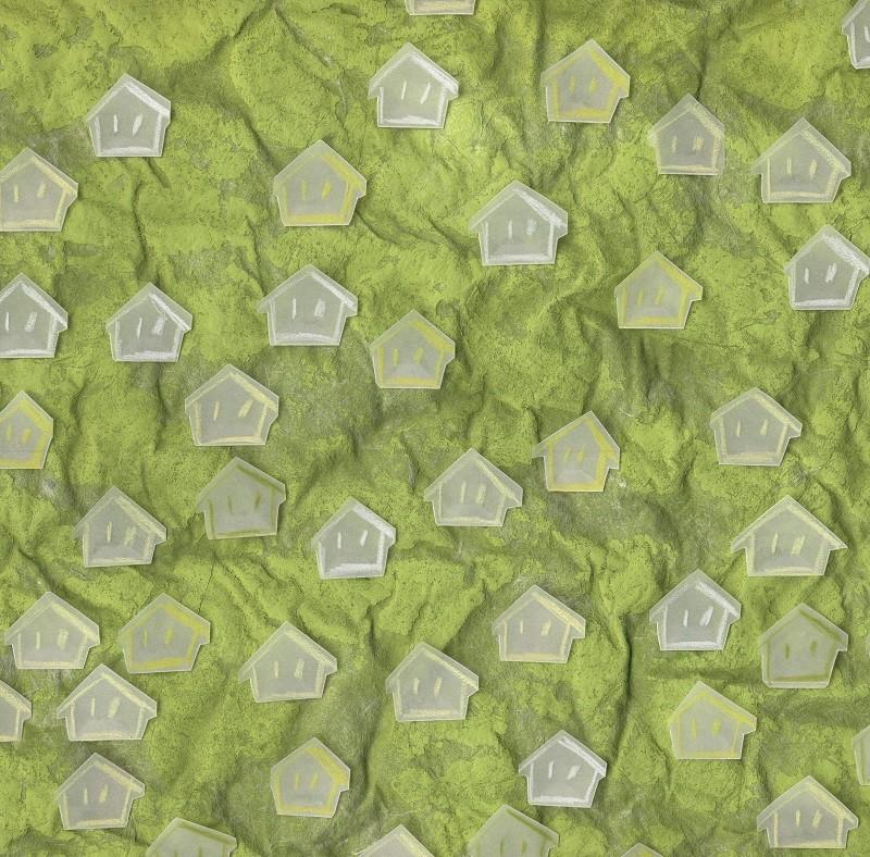 Bildausschnitt von SOME IDENTITIES (hellgrün und gelb), 2014. Tempera auf Japanpapier, Farbstift auf Transparentpapier