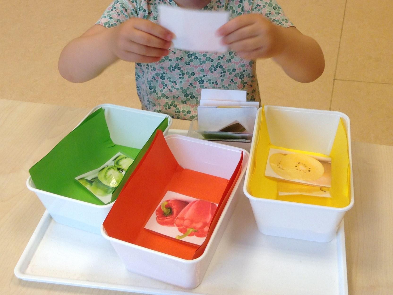 Farben Im Kindergarten Ideen aktionstabletts - erzieher im austausch