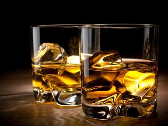 Cada trago tiene su propio vaso la mala vida cocteleria for Copas para whisky