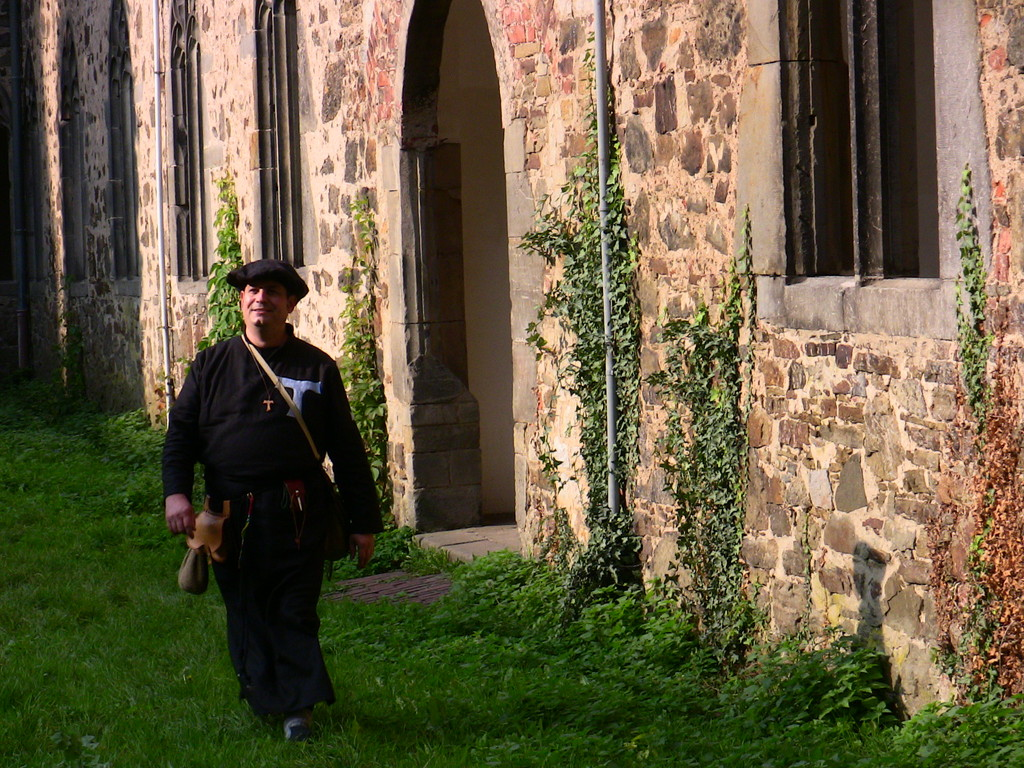 Antoniter-Bruder Leonardo Antonius im Kloster