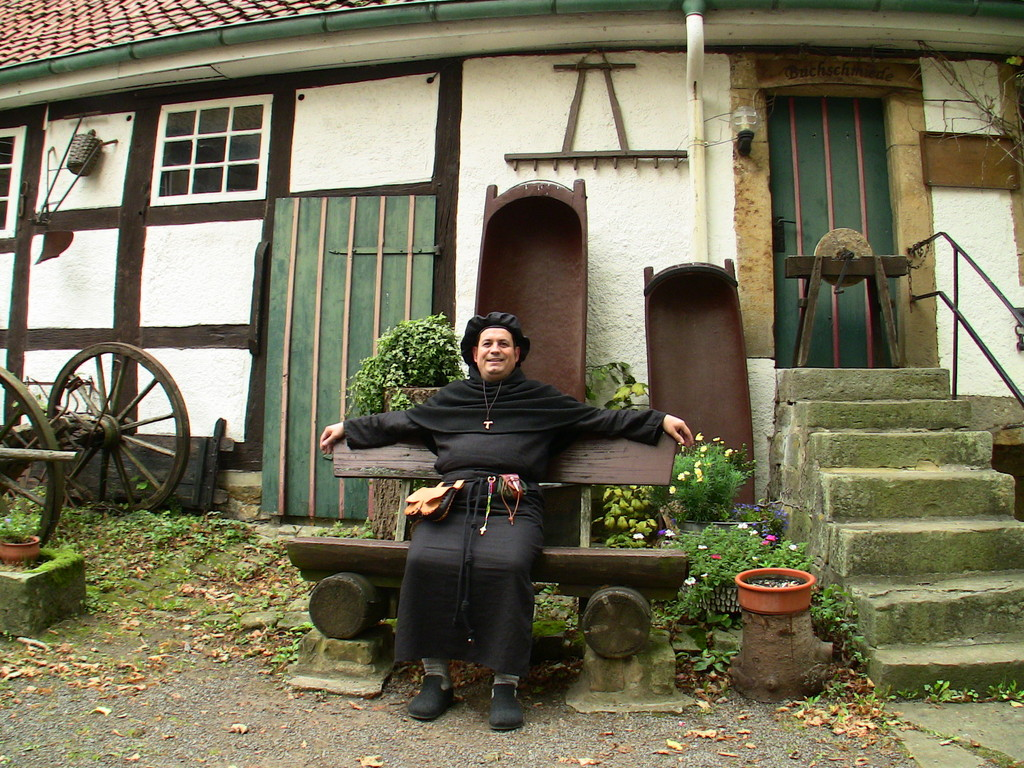 Antoniterbruder rastet auf Schaumburg