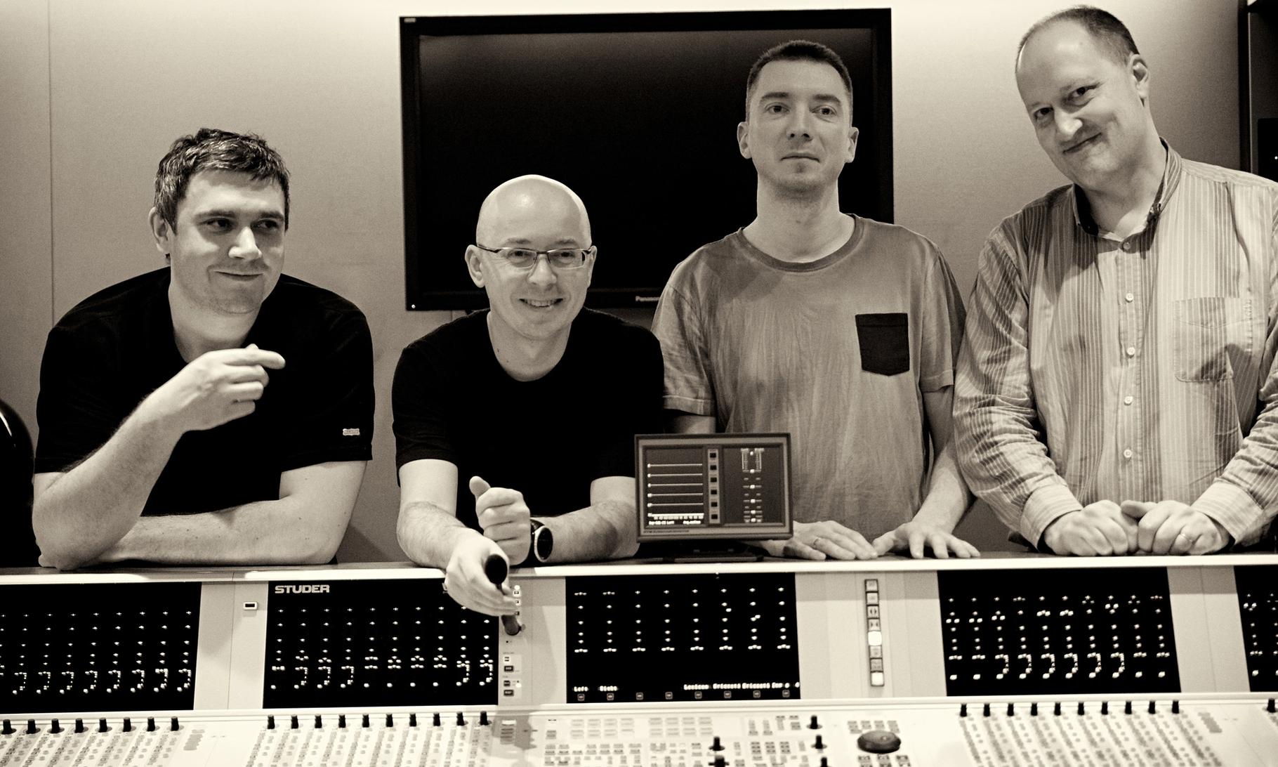 Marcin Wasilewski Trio w. Joakim Milder