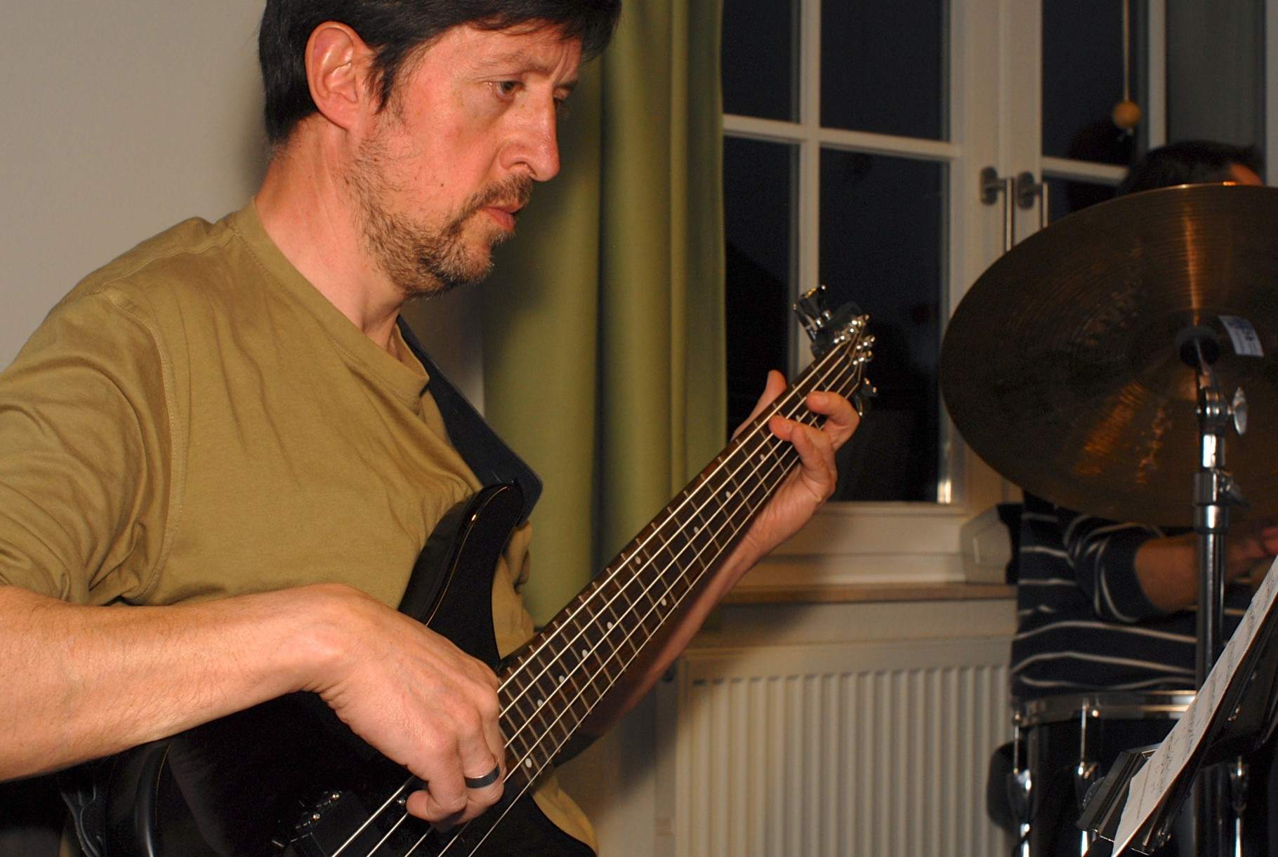 Der Bassist in Aktion