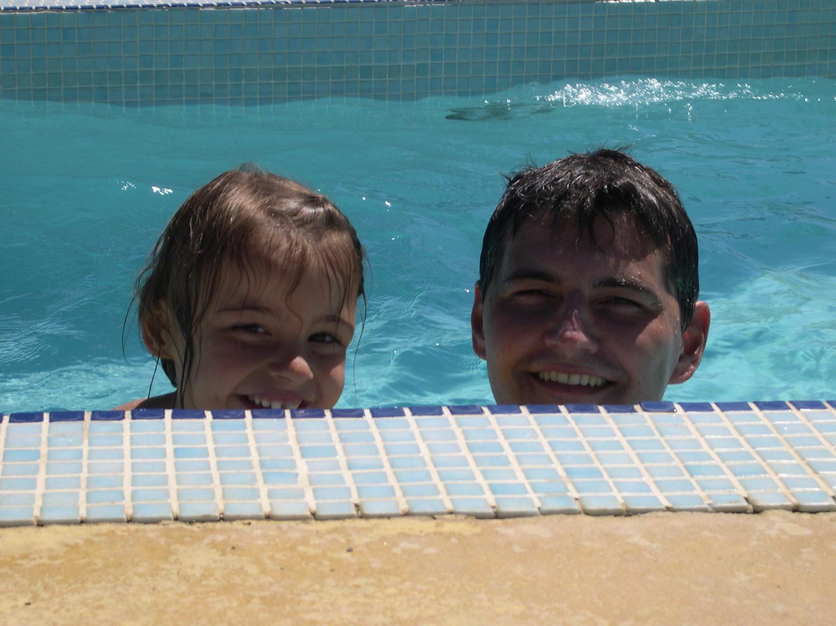 Avec Emma à la piscine