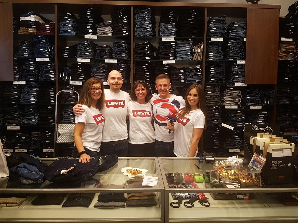 Jeans Shop 33 Team
