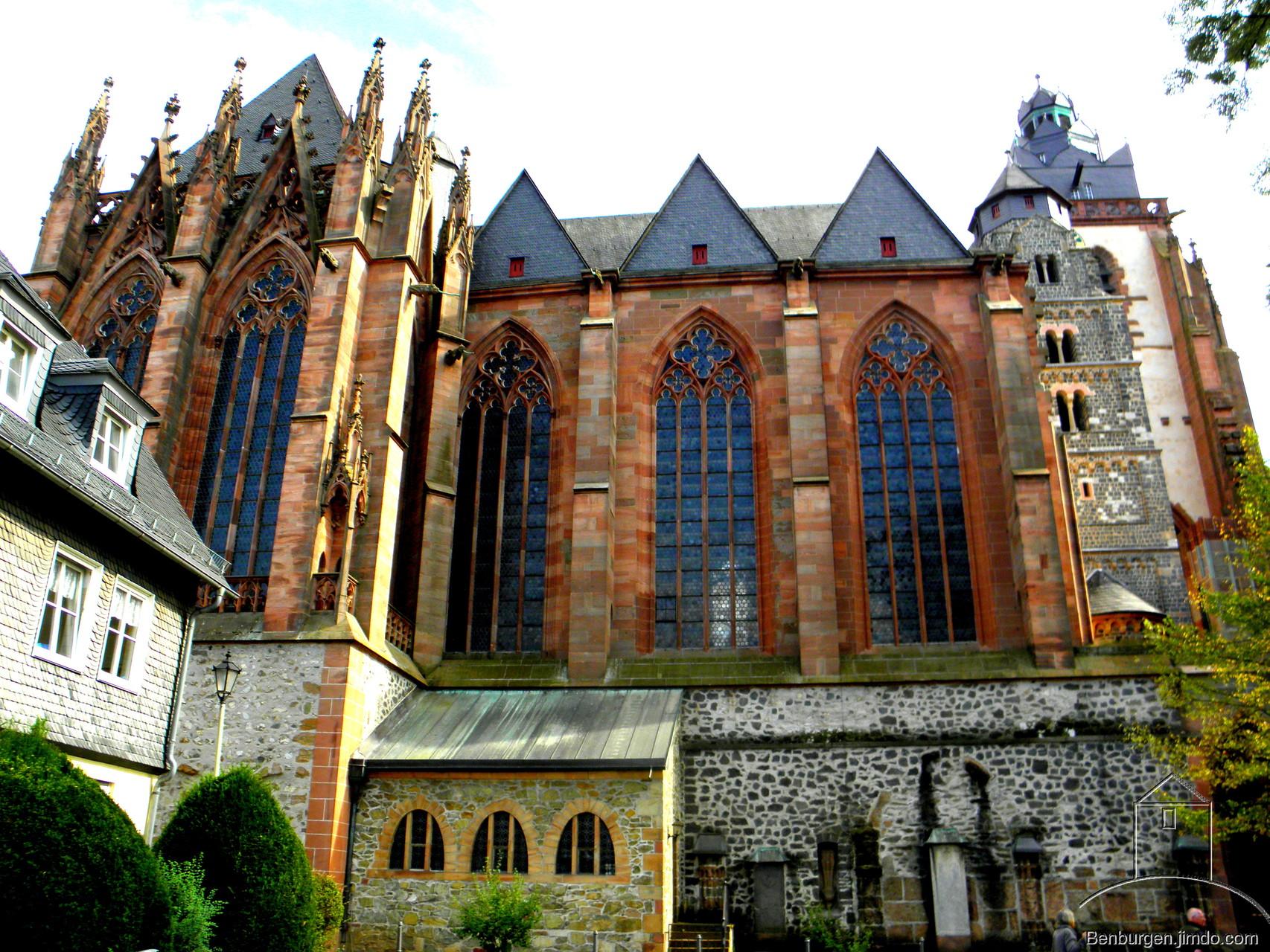 Kirchenschiff des Wetzlarer Doms.