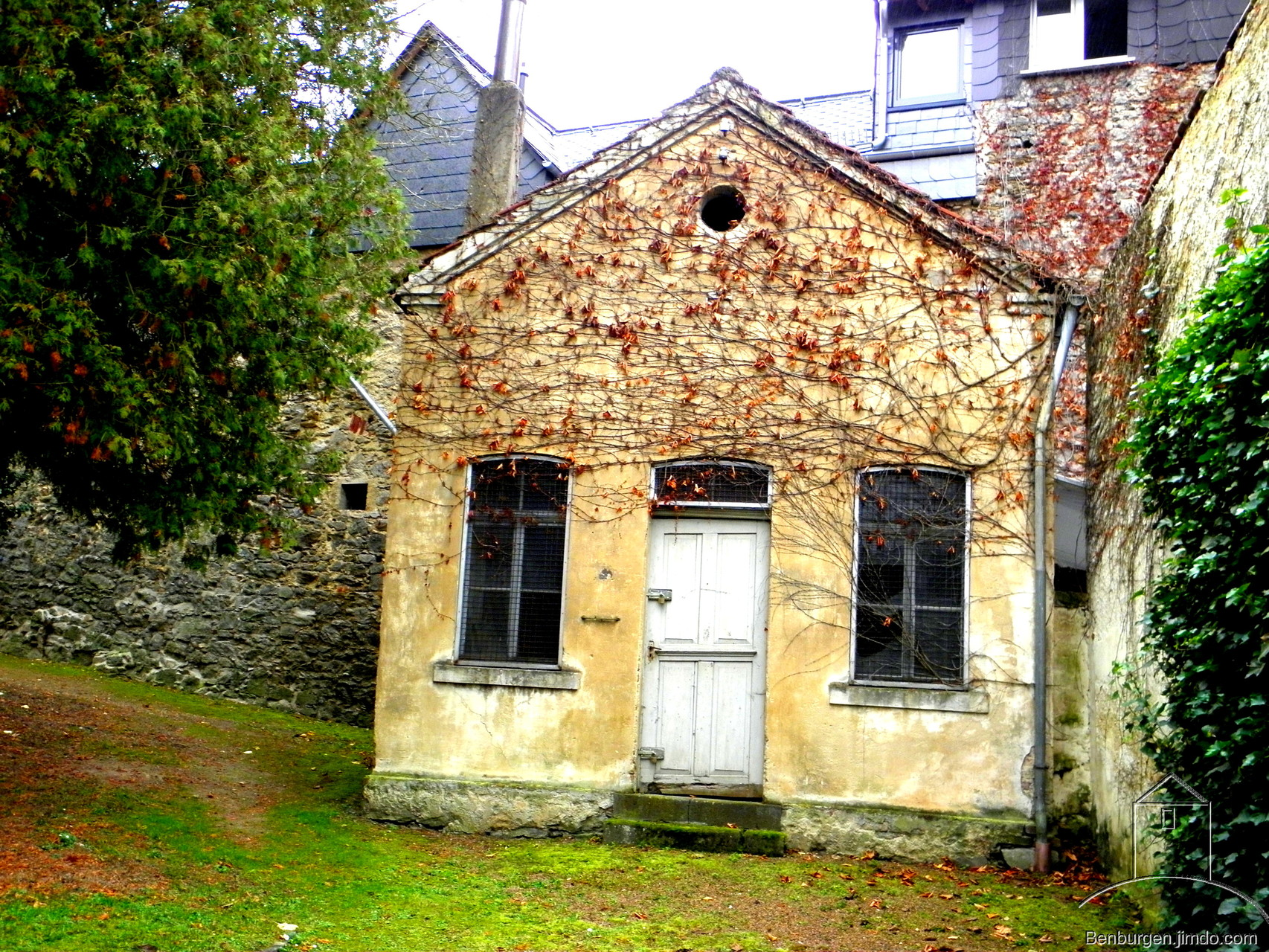 Gebäude auf dem Alten Friedhof.