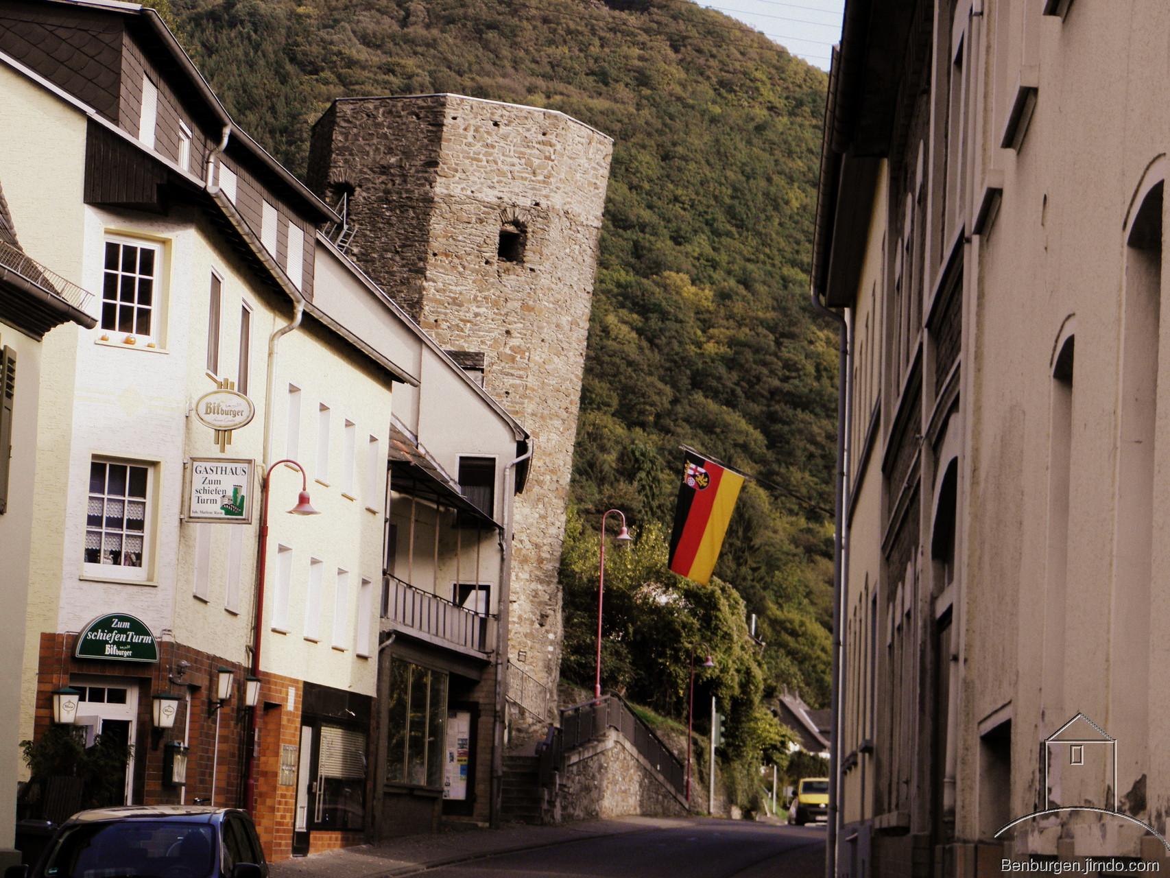 Der Schiefe Turm von Dausenau.