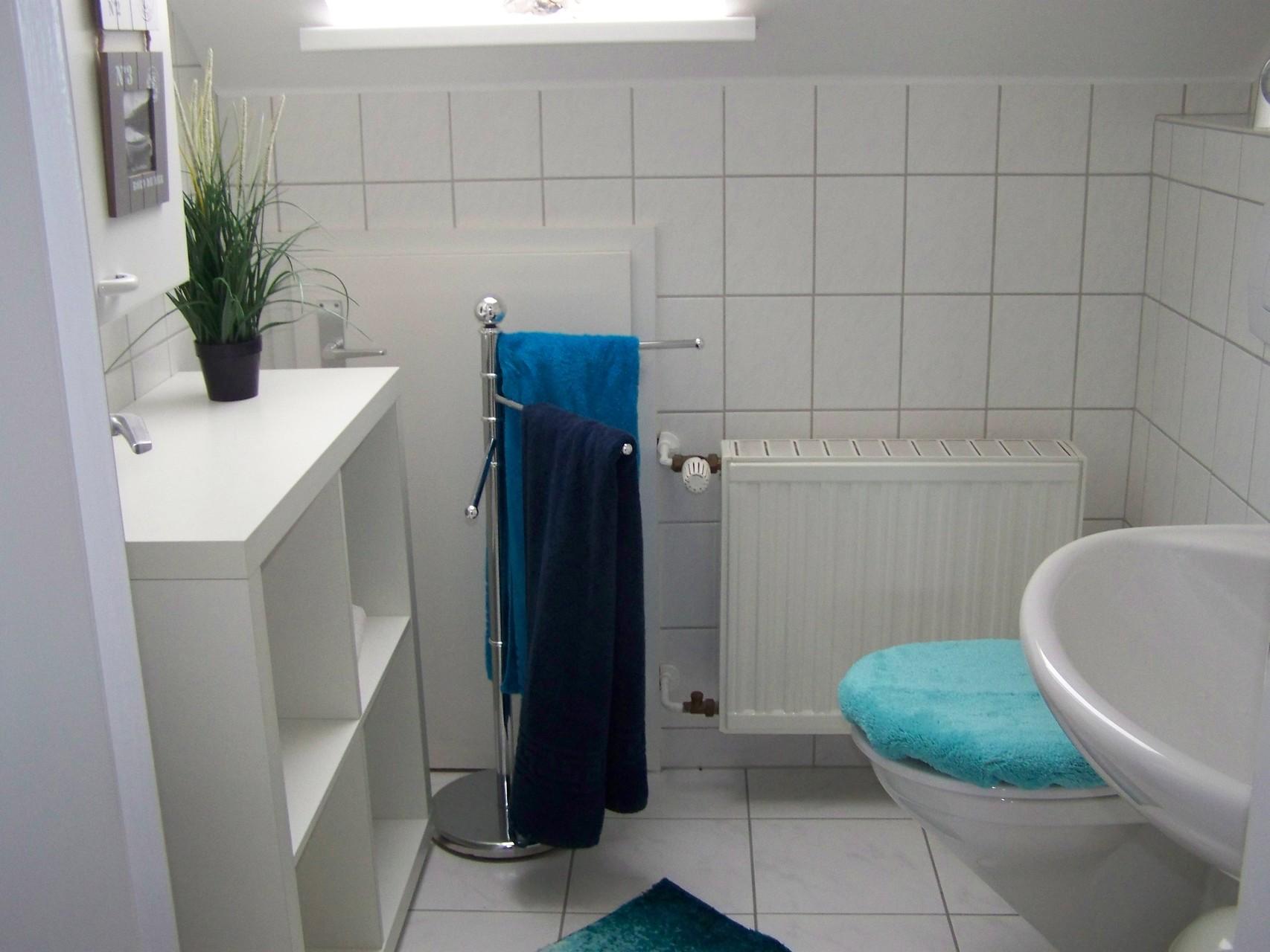 bad wc oben ferienhaus marder helgoland. Black Bedroom Furniture Sets. Home Design Ideas