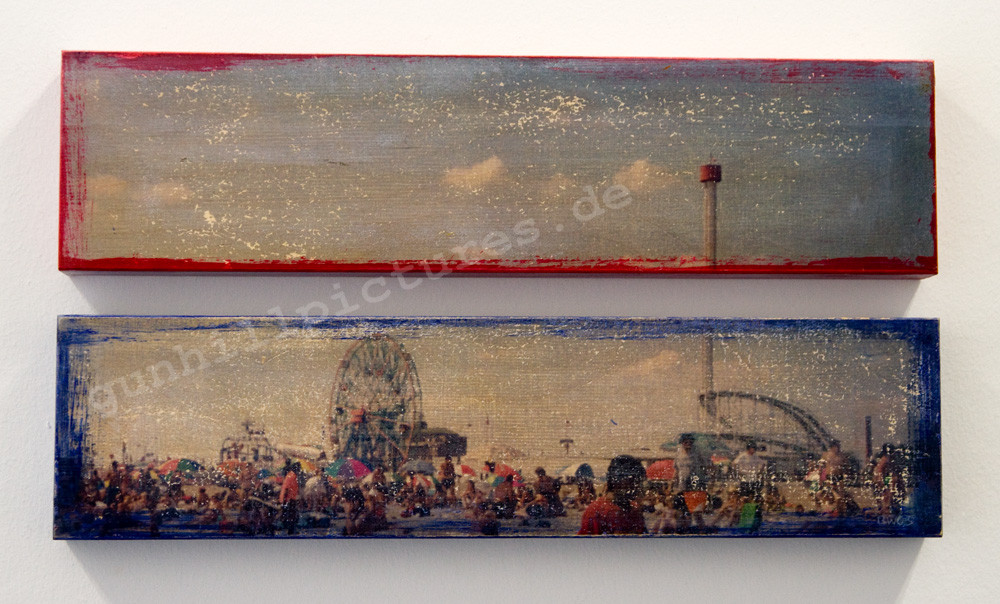 Coney Island Beach red and blue 1/7 2003 zwei Teile 10x40cm 300.-