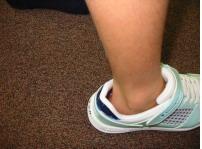 正しくない靴の履き方