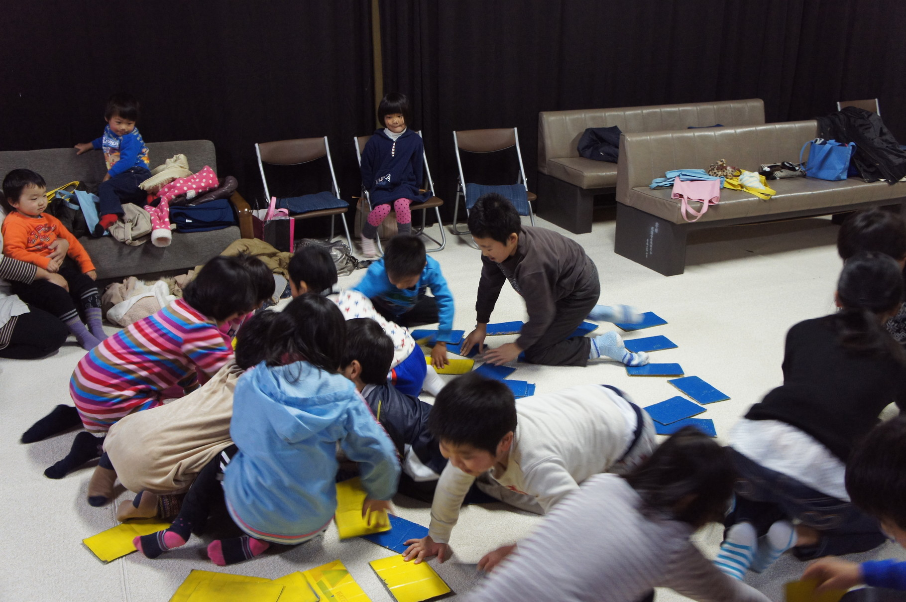 子ども報恩講で親子でゲーム♪みんな夢中!