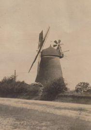 Windmühle um 1920.