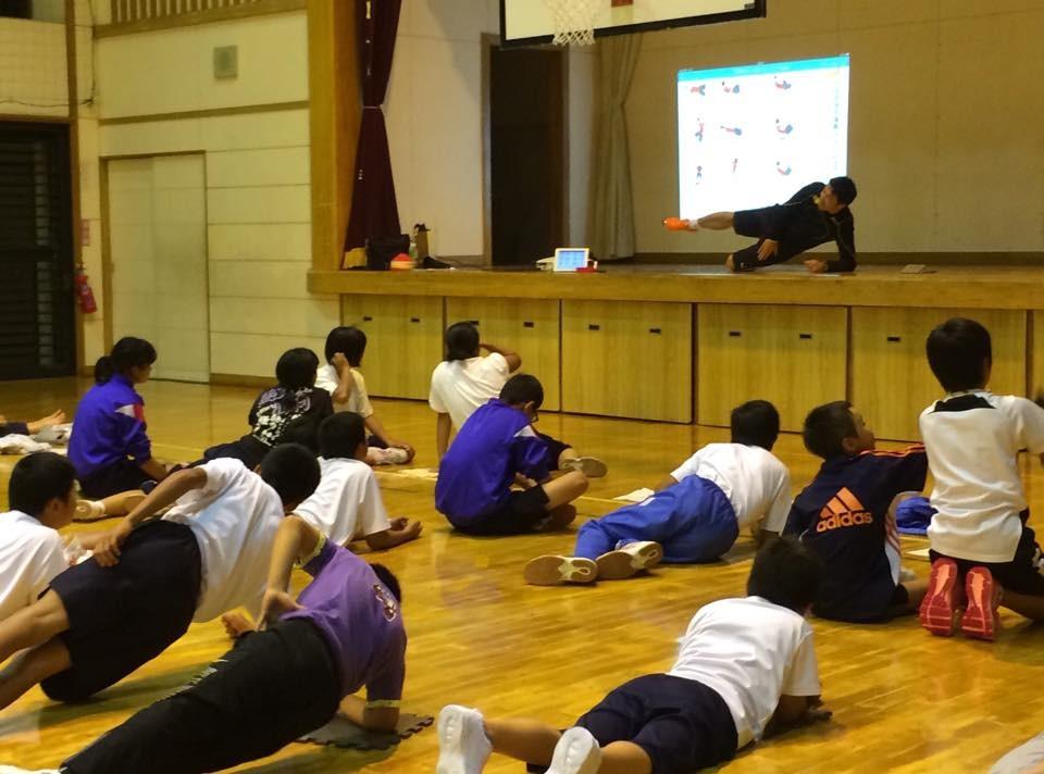 学校での講演、部活動での講習会も行っております。