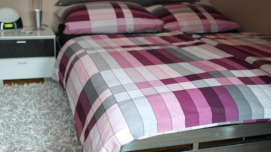 crazy living coole bettw sche im berry pop design hot. Black Bedroom Furniture Sets. Home Design Ideas