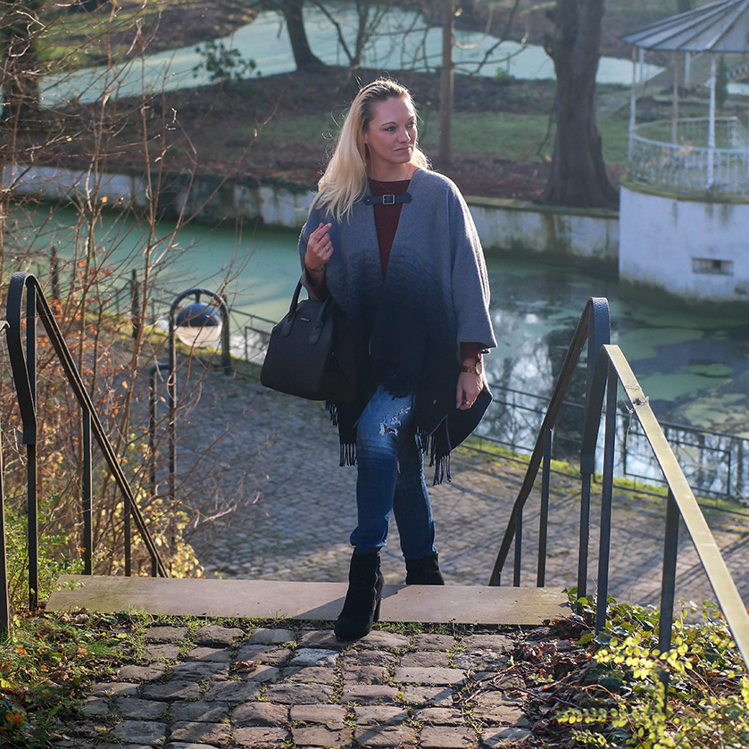 Cooler Winter Style mit dem Cape von Pepe Jeans & Plateau Stiefeletten von H&M | hot-port.de | 30+ Fashion Blog