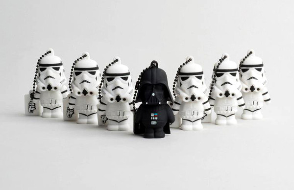 Digital Lifestyle | Darth Vader und seine Stormtrooper als coole USB Sticks von Tribe | Hot Port Life & Style | 30+ Style Blog