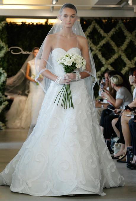Oscar de la Renta   Wunderbar feminine Mode und Hochzeitskleider zum Verlieben