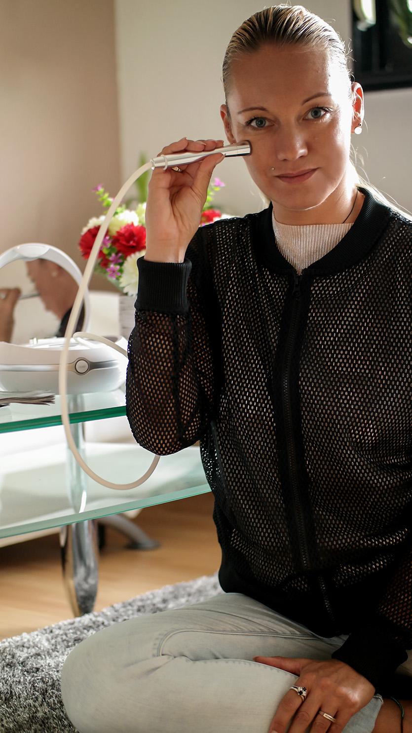 Mit dem Beurer FC 100 Pureo Derma Peel Mikrodermabrasionsgerät für Zuhause zu praller, straffer Haut | Franny´s Anti-Aging Wunder im Langzeittest | Hauterneuerung | hot-port.de | Style & Fashion Blog für Frauen über 30