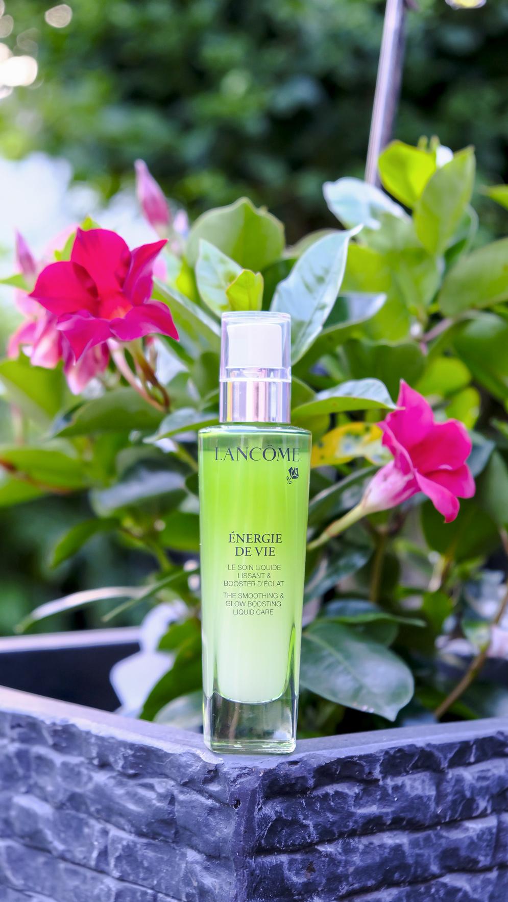 Freshness Power: Ein echter Frischekick bei sommerlichen Temperaturen oder generell müder, fahler Haut ist das Energie De Vie Pflegeserum von Lancome   Hot Port Life & Style   Lifestyle Blog aus Deutschland