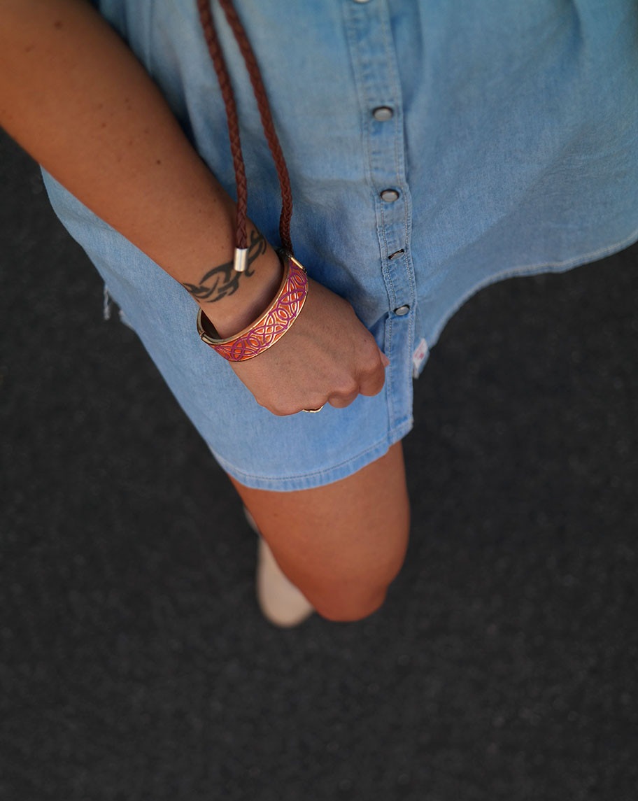 Boho Vintage Summer Style | Pepe Lupita Jeanskleid mit Stickereien & Stella and Dot Armreif | hot-port.de | 30+ Style Blog