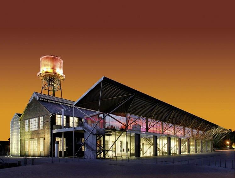 Die Jahrhunderthalle in Bochum ist eine sehr schöne, rustikale Location, die mit ihrem industriellen Ruhrpott Charme zahlreiche Besucher in den Bann zieht