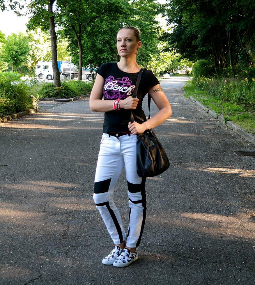 Laura Scott Bikerhose - Eine Hassliebe