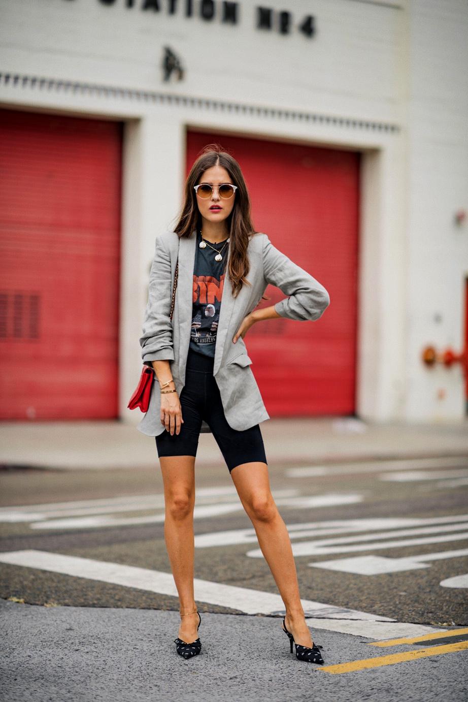 Radlerhosen sind jetzt obercool | Der Style Trend der Neunziger gerade (s)ein unvergleichliches Revival, doch so richtig anfreunden kann ich mich damit nicht | Hot Port Life & Style | 30+ Style Blog