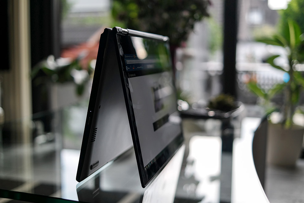 Laptop oder Tablet | Dank meines neuen Lenovo Yoga 2 Laptops hab ich einfach beides und es ist biegbar bis zum Umfallen