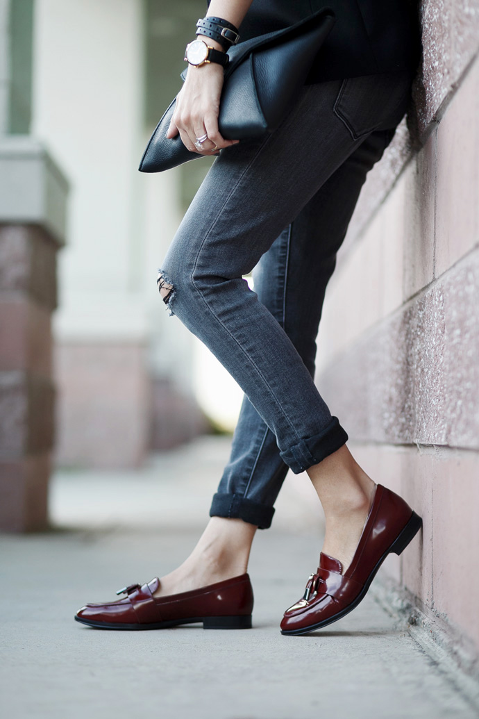 Früher nannte man sie Ballerinas, heute hingegen sagt man lässig & salopp Loafer zum klassischen Halbschuh. Schlupfhalbschuhe erleben gerade ein stylishes Revival und Franny ist ganz vorne mit dabei | Hot Port Life & Style | 30+ Style Blog