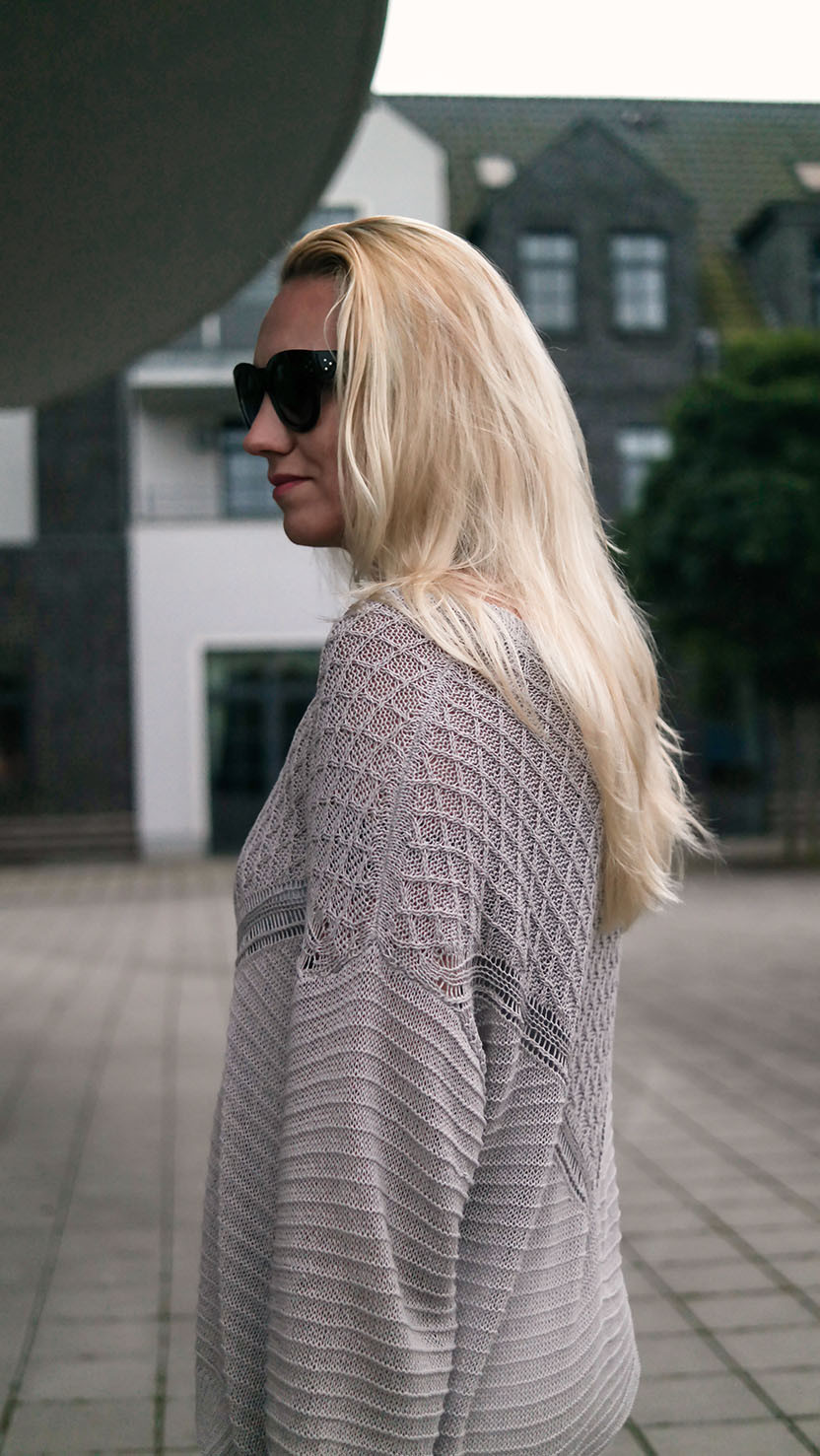 Outfit weiße Skinny & Parka | Selected Femme Strickpullover| hot-port.de | 30+ Style