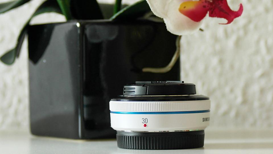 New In | Samsung NX 30mm F2 Pancake Festbrennweite Objektiv