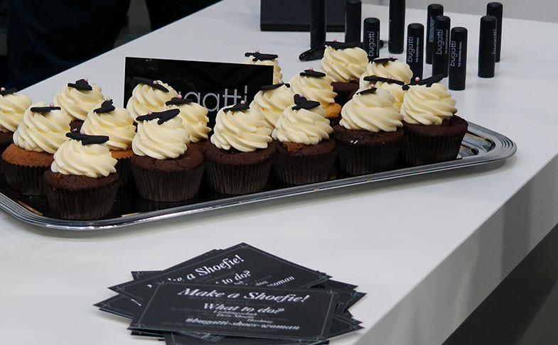 Fashionbloggercafé auf der GDS Schuhmesse Düsseldorf 2015: Die neuesten Schuhtrends zum Greifen nah | Für das leibliche Wohl wurde mit leckeren Cupcakes gesorgt | Hot Port Life & Style | 30+ Style Blog