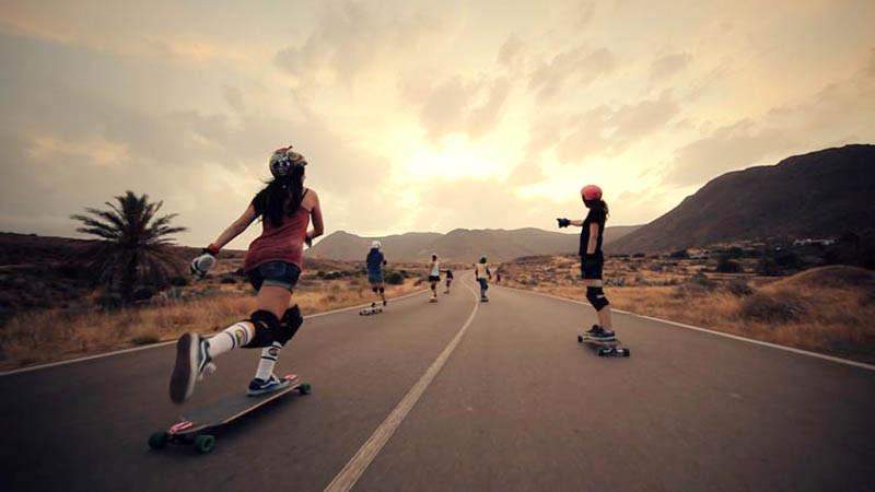 Verwirkliche Deinen Traum | Die Mädels der Longboard Crew haben sich das zur Brust genommen