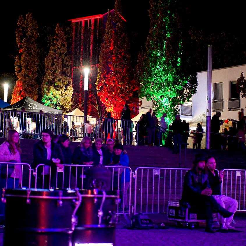 Mystisches Highlight im Herbst: Der Lichtermarkt im nordrhein-westfälischen Bergkamen lud bereits zum 19. Mal ein und ich habe es trotzdem noch nie geschafft, Euch von diesem außergewöhnlichen Ambiente zu berichten | Hot Port Life & Style | 30+ Lifestyle Blog