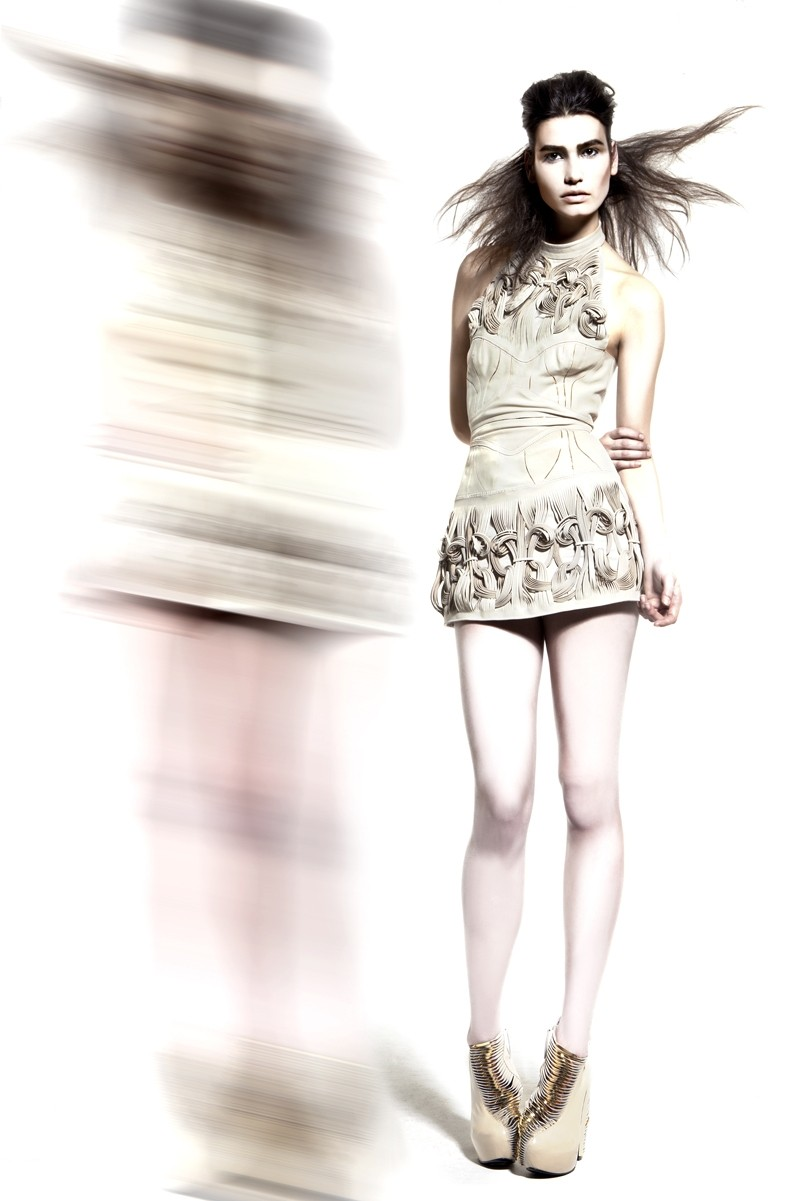 Iris Van Herpen Space Attack | Freaky Fashion Week Style der Superlative | Hot Port Life & Style | 30+ Style Blog