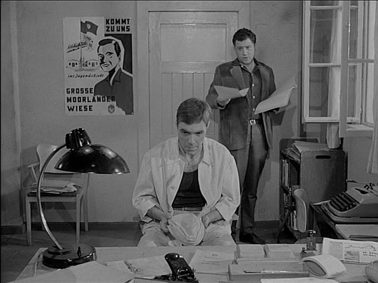 """Szenen für """"Egon und das achte Weltwunder"""" entstanden in einem Barackenlager in Schwichtenberg."""